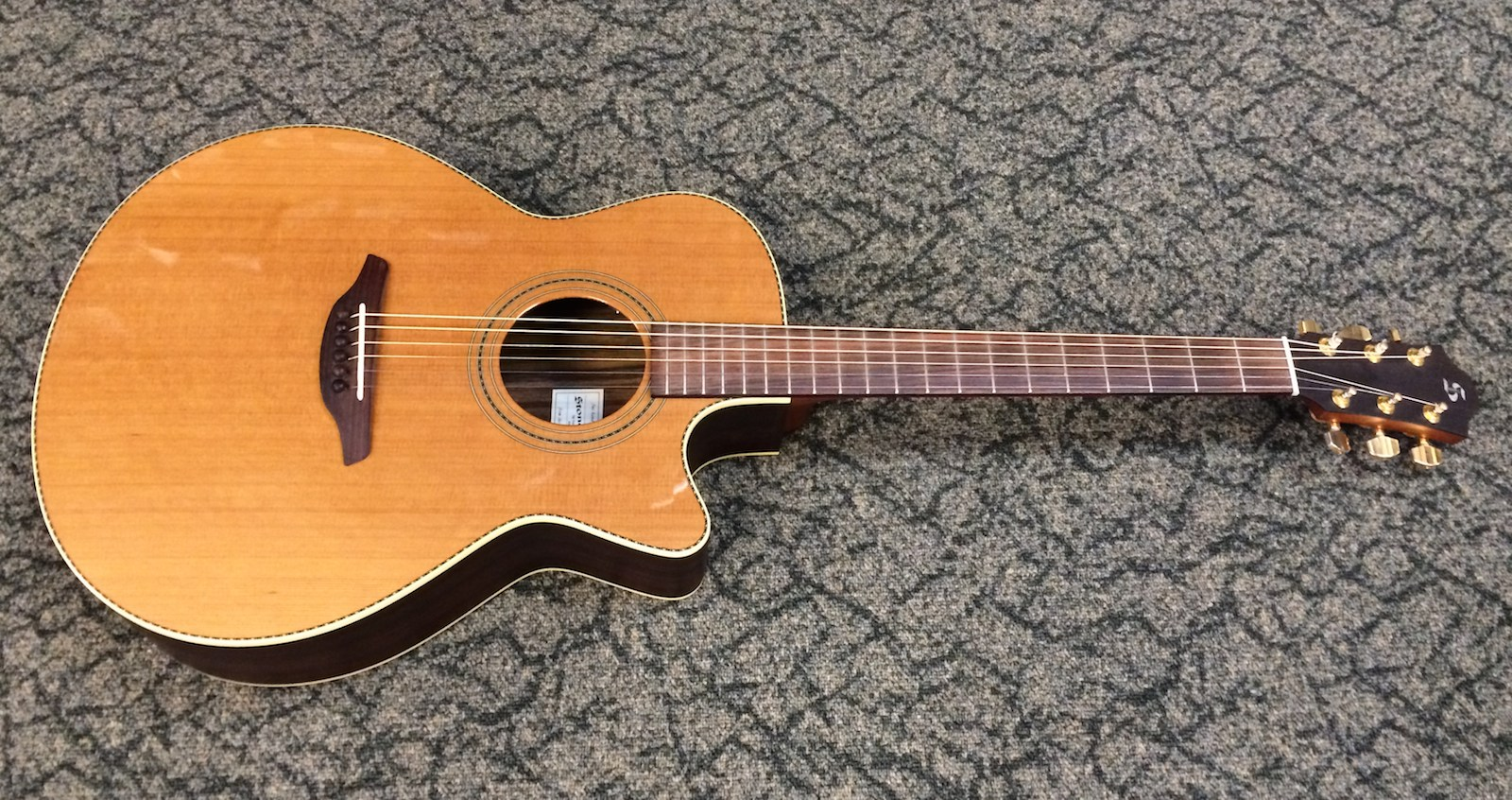 Stonebridge 42CRG-CE acoustic guitar