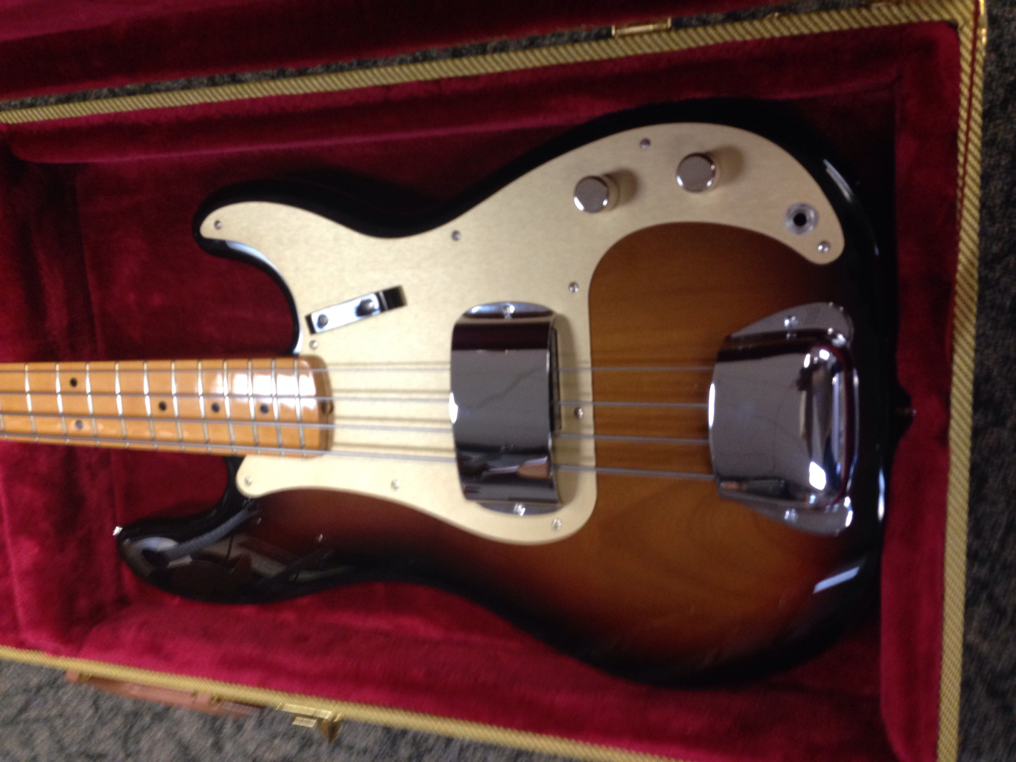 CGS Smokey Bass in Case