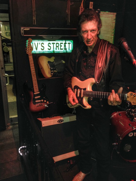 Bill Pappas gigging at JV's with his new VVT Jack Pearson Limited Edition Fralin Model